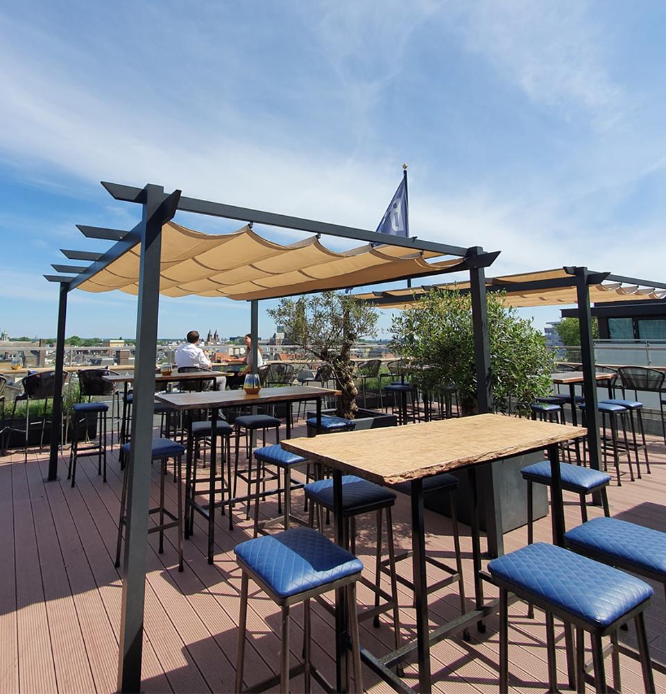 BLOU Rooftop Bar  - Hotel Haarhuis (1).jpg