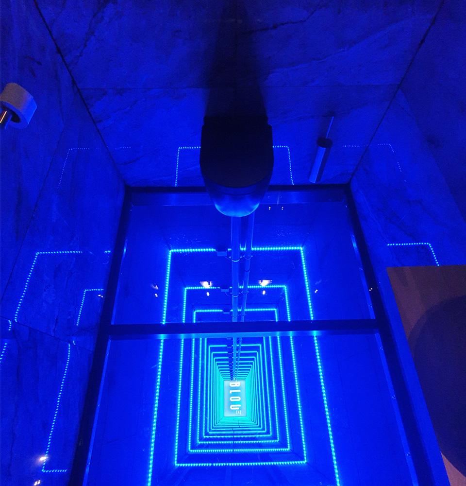 BLOU Rooftop Bar  - Toilet Experience - Hotel Haarhuis (2).jpg