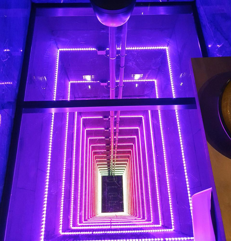 BLOU Rooftop Bar  - Toilet Experience - Hotel Haarhuis (3).jpg