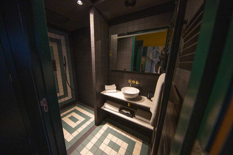 Loft Hotel Haarhuis - badkamer (2).jpg