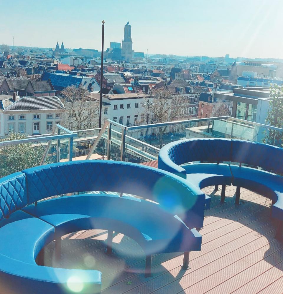 BLOU Rooftop Bar  - Hotel Haarhuis (2).jpg